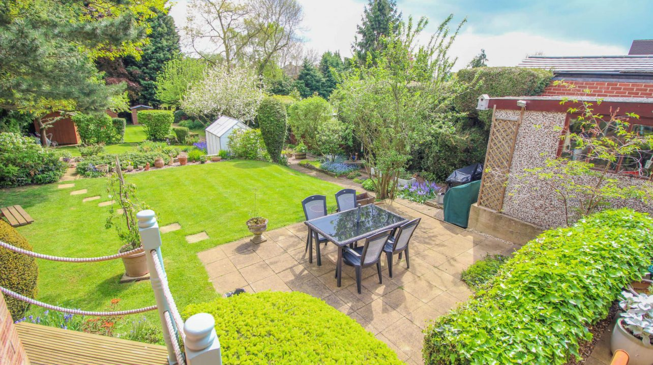 Large Garden Area with Patio